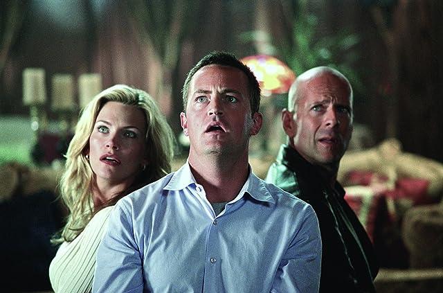 Bruce Willis, Natasha Henstridge, and Matthew Perry in The Whole Ten Yards (2004)