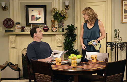 Megyn Price and Patrick Warburton in Rules of Engagement (2007)