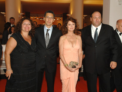 Susan Sarandon, James Gandolfini, John Turturro, and Aida Turturro at Romance & Cigarettes (2005)