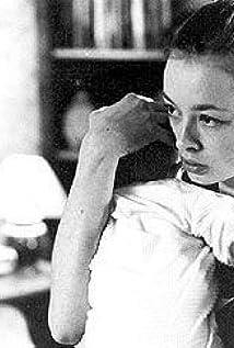 Aktori Lara Belmont