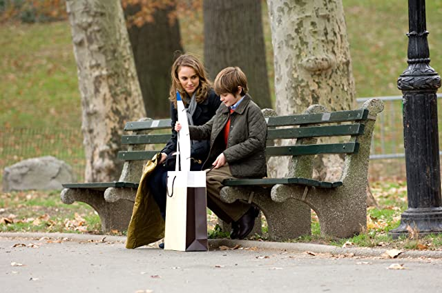 Natalie Portman and Charlie Tahan in The Other Woman (2009)