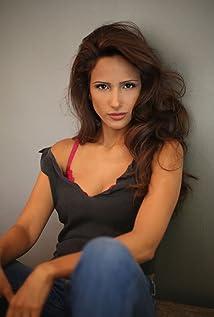 Aktori Morann Peri