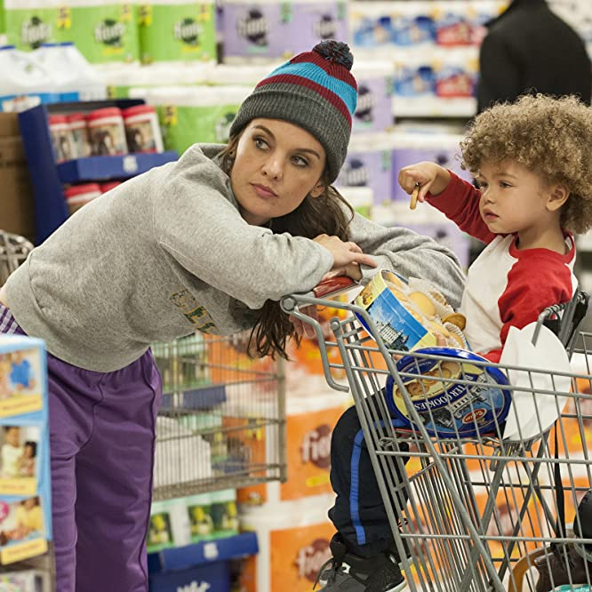 Frankie Shaw and Anna Chanel Reimer in SMILF (2017)