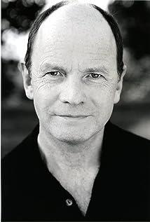 Aktori Simon Chandler