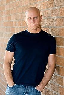 Aktori Darryl Scheelar