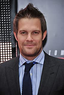 Geoff Stults Picture