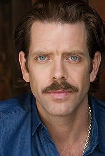 Aktori Joe Hursley