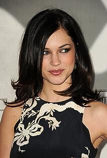 Aktori Alexis Knapp