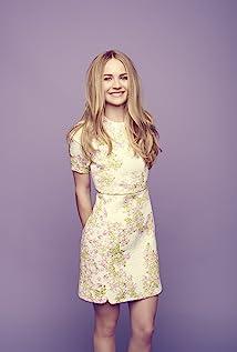 Aktori Britt Robertson
