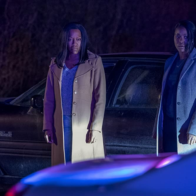 Regina King and Clare-Hope Ashitey in Seven Seconds (2018)