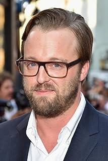 Aktori Joshua Leonard