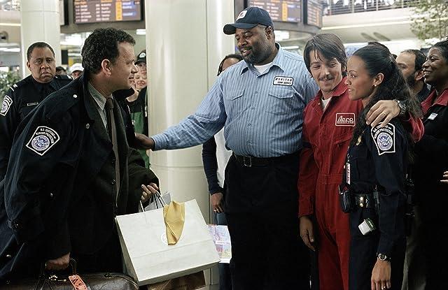 Tom Hanks, Barry Shabaka Henley, Diego Luna, Chi McBride, and Zoe Saldana in The Terminal (2004)