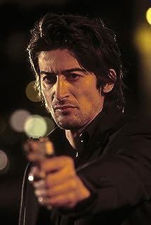 Aktori Adrian Can