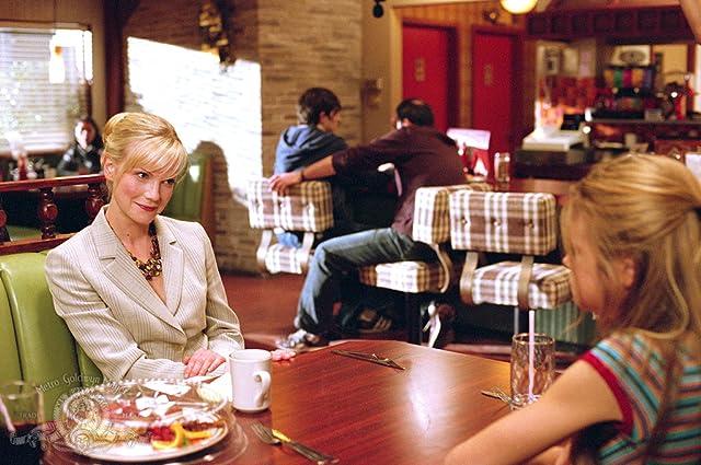 Laura Harris and Ellen Muth in Dead Like Me (2003)