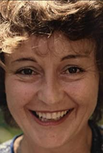 Lyn James Picture