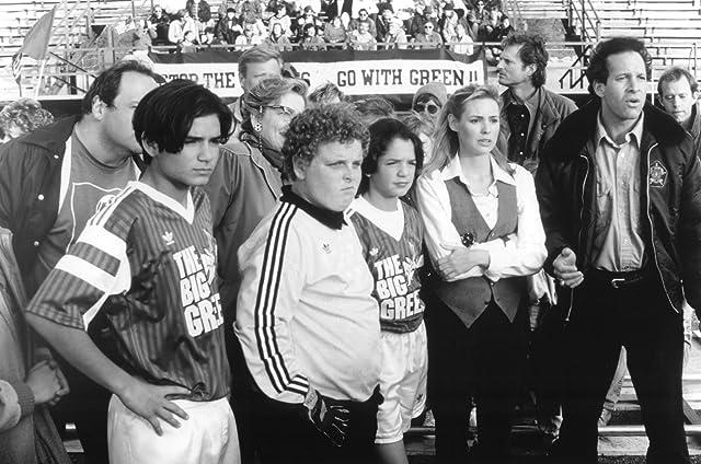 Steve Guttenberg, Olivia d'Abo, Anthony Esquivel, Patrick Renna, and Billy L. Sullivan in The Big Green (1995)