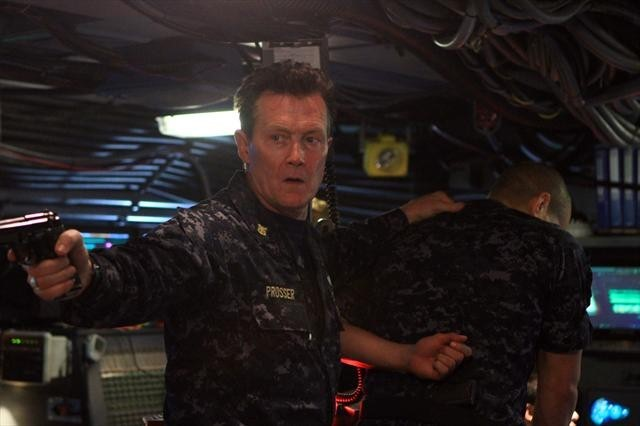 Robert Patrick in Last Resort (2012)