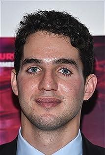 Aktori Benny Safdie
