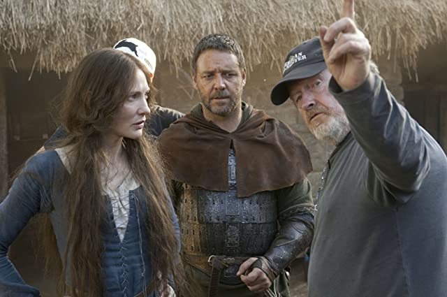 Russell Crowe, Ridley Scott, and Cate Blanchett in Robin Hood (2010)