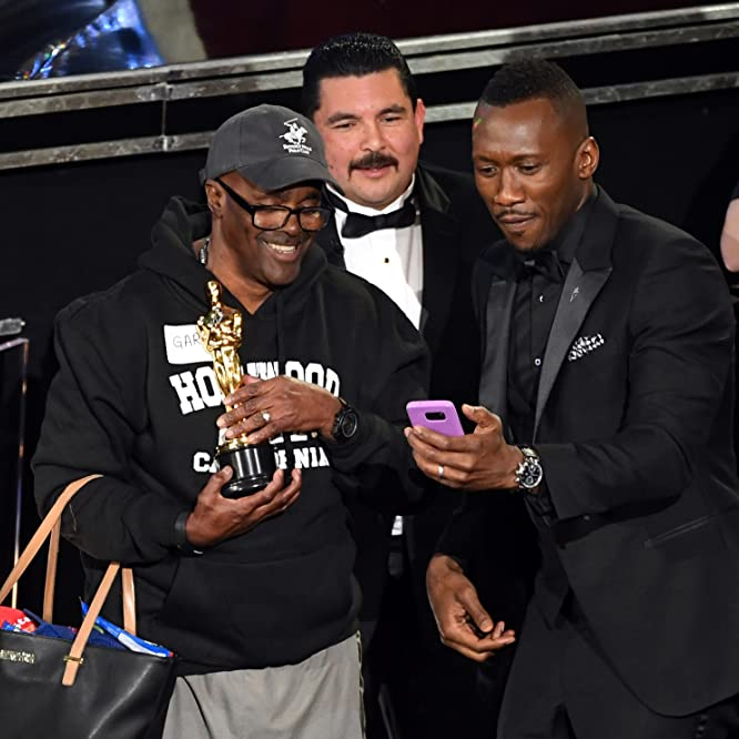 Mahershala Ali, Guillermo Rodriguez, and Gary Coe at an event for The Oscars (2017)