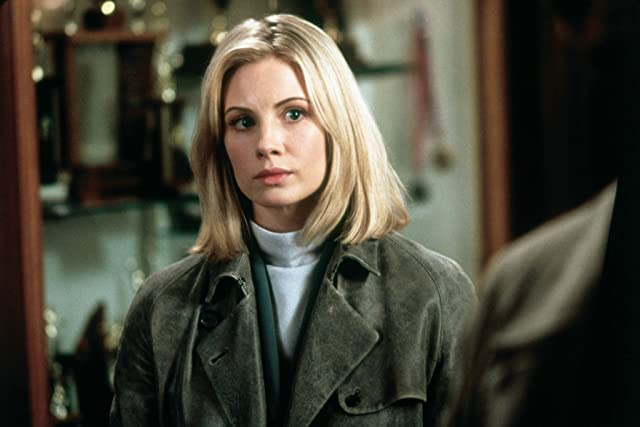 Monica Potter in Along Came a Spider (2001)