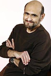 Edgar Vivar Picture