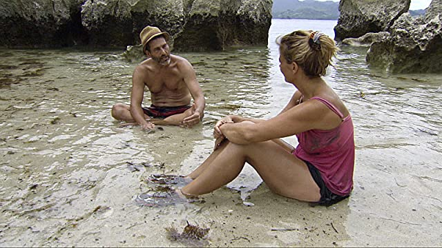 Jonathan Penner and Lisa Whelchel in Survivor (2000)