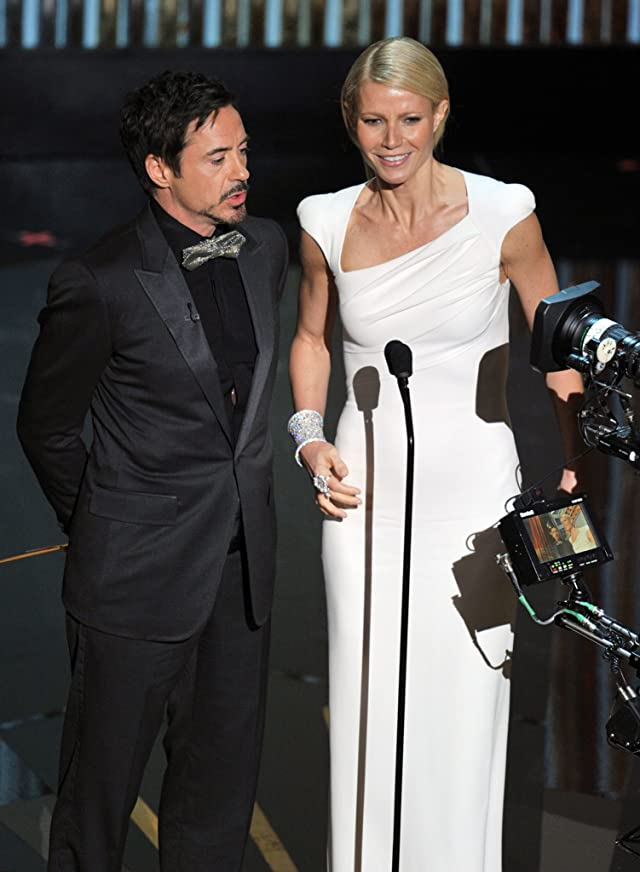 Robert Downey Jr. and Gwyneth Paltrow at event of The 84th Annual Academy Awards