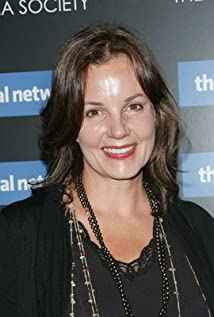Margaret Colin Picture