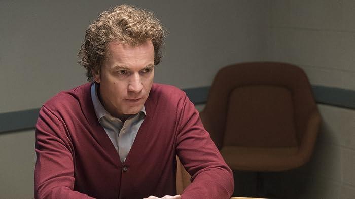 "Ewan McGregor Breaks Down His Dual Role on ""Fargo"""