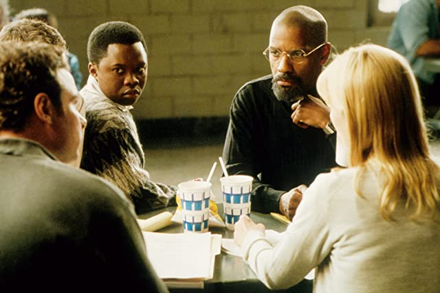 Denzel Washington and Vicellous Shannon in The Hurricane (1999)