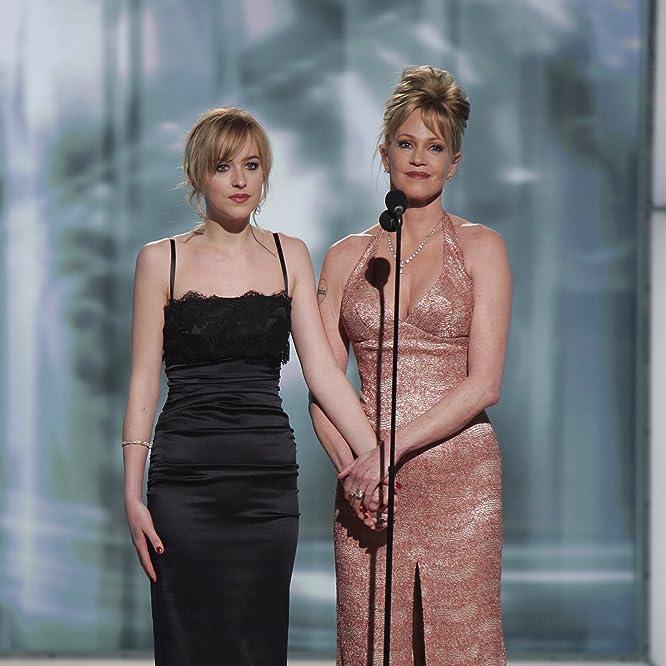 Melanie Griffith y Dakota Johnson en un evento para la 63 ° entrega anual de los Golden Globe Awards (2006)