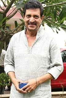 Aktori Nizhalgal Ravi
