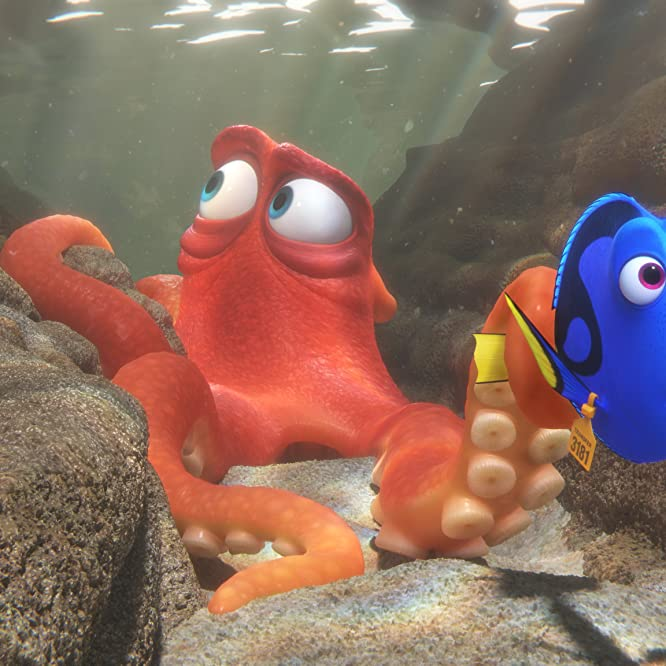 Ellen DeGeneres and Ed O'Neill in Finding Dory (2016)