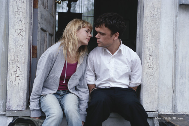 Peter Dinklage and Michelle Williams in The Station Agent (2003)