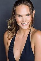 Cassandra Jean Amell's primary photo