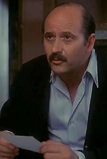 Agustín González Picture