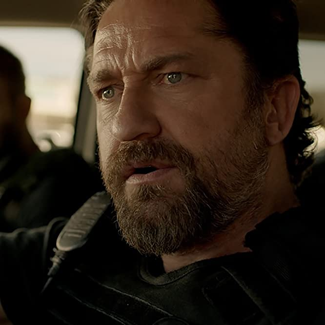 Gerard Butler, Maurice Compte, and Kaiwi Lyman in Den of Thieves (2018)