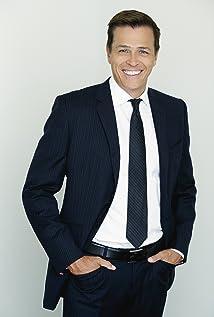 Aktori Patrick Whitesell