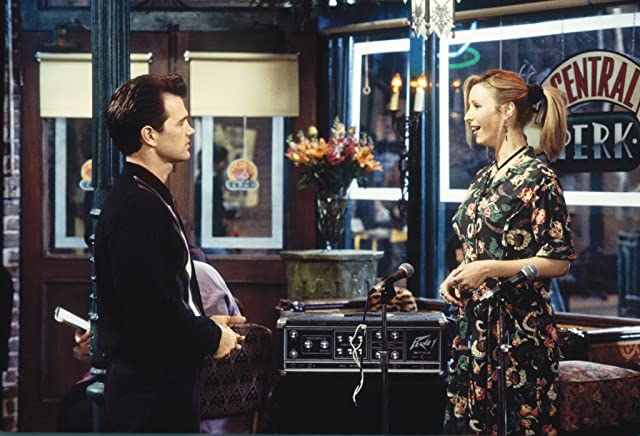 Chris Isaak and Lisa Kudrow in Friends (1994)