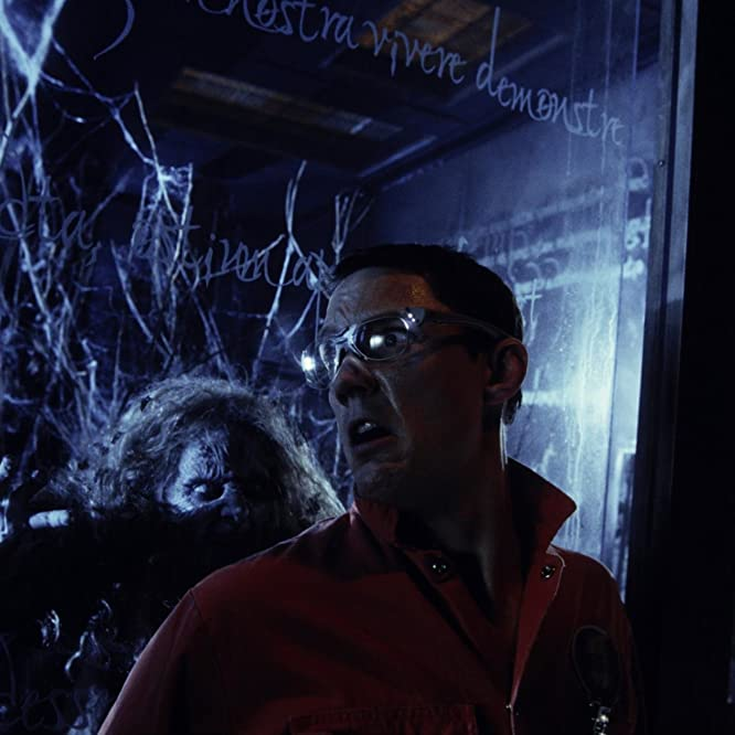 Matthew Lillard and Xantha Radley in Thir13en Ghosts (2001)