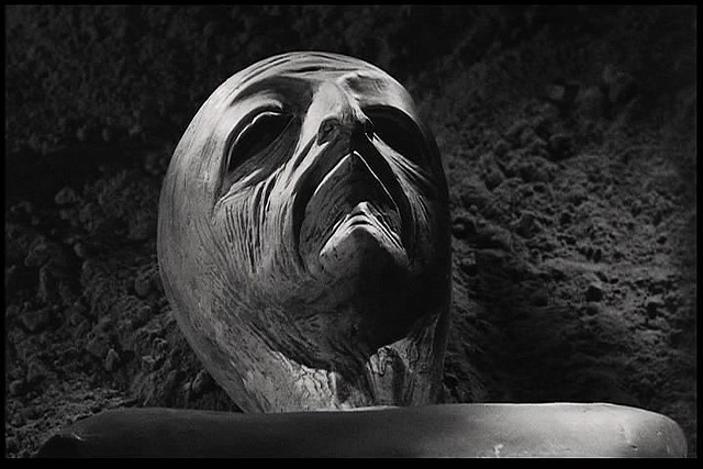 Space alien from Earth vs the Flying Saucers (1956)