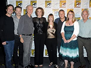 James Cameron, Bill Paxton, Sigourney Weaver, Michael Biehn, Lance Henriksen, Carrie Henn, Paul Reiser, and Gale Anne Hurd at an event for Aliens (1986)