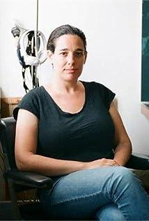 Naomi Levari Picture