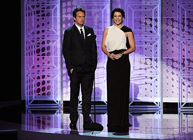Matthew Perry and Lauren Graham at event of The 62nd Primetime Emmy Awards