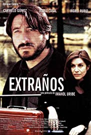 Extraños Poster
