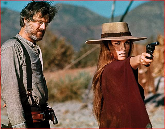 Raquel Welch and Robert Culp in Hannie Caulder (1971)