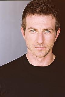 Aktori Rhett Giles
