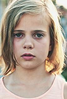 Aktori Karolína Lipowská