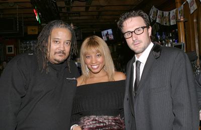 David Arquette, Ernest R. Dickerson, and Reagan Gomez-Preston at Never Die Alone (2004)